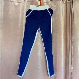 Pants - Leggings with a white stripe inside/outside